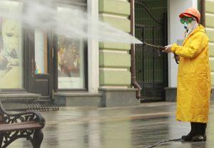 Дезинфекцию дворов и дорог осуществили в районе. Фото: Наталия Нечаева,«Вечерняя Москва»