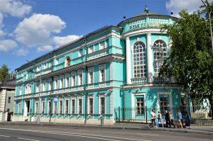 Видеоэкскурсию опубликовали на сайте галереи Ильи Глазунова к дню памяти художника