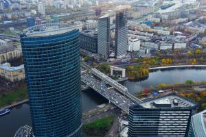 Компанию «Башня Федерация» оштрафуют за нарушение указа об удаленке. Фото: Александр Кожохин, «Вечерняя Москва»