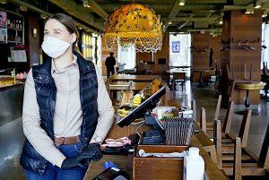Рестораны «Кофемания» и «Бараshka» в ЦАО могут закрыть за нарушение антиковидных мер. Фото: Антон Гердо, «Вечерняя Москва»
