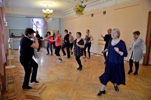 Занятие танцами проведут работники филиала «Хамовники». Фото: Анна Быкова